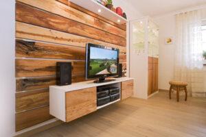 TV Möbel in Apfelholz