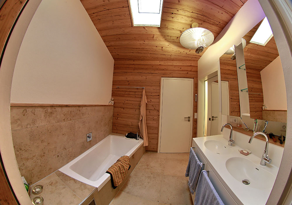badezimmer mit blender. Black Bedroom Furniture Sets. Home Design Ideas