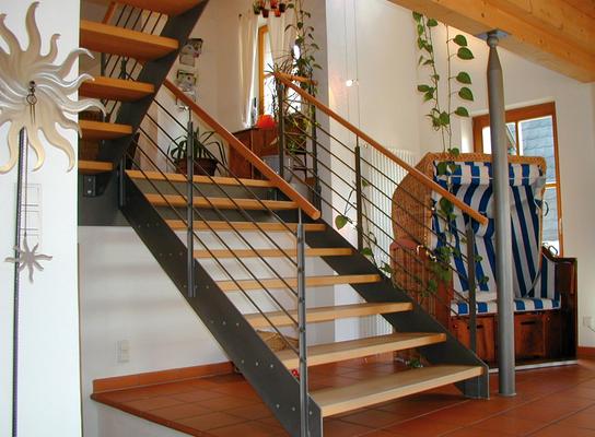 Treppen schreinerei blendl stuttgart - Wohnzimmer podest ...